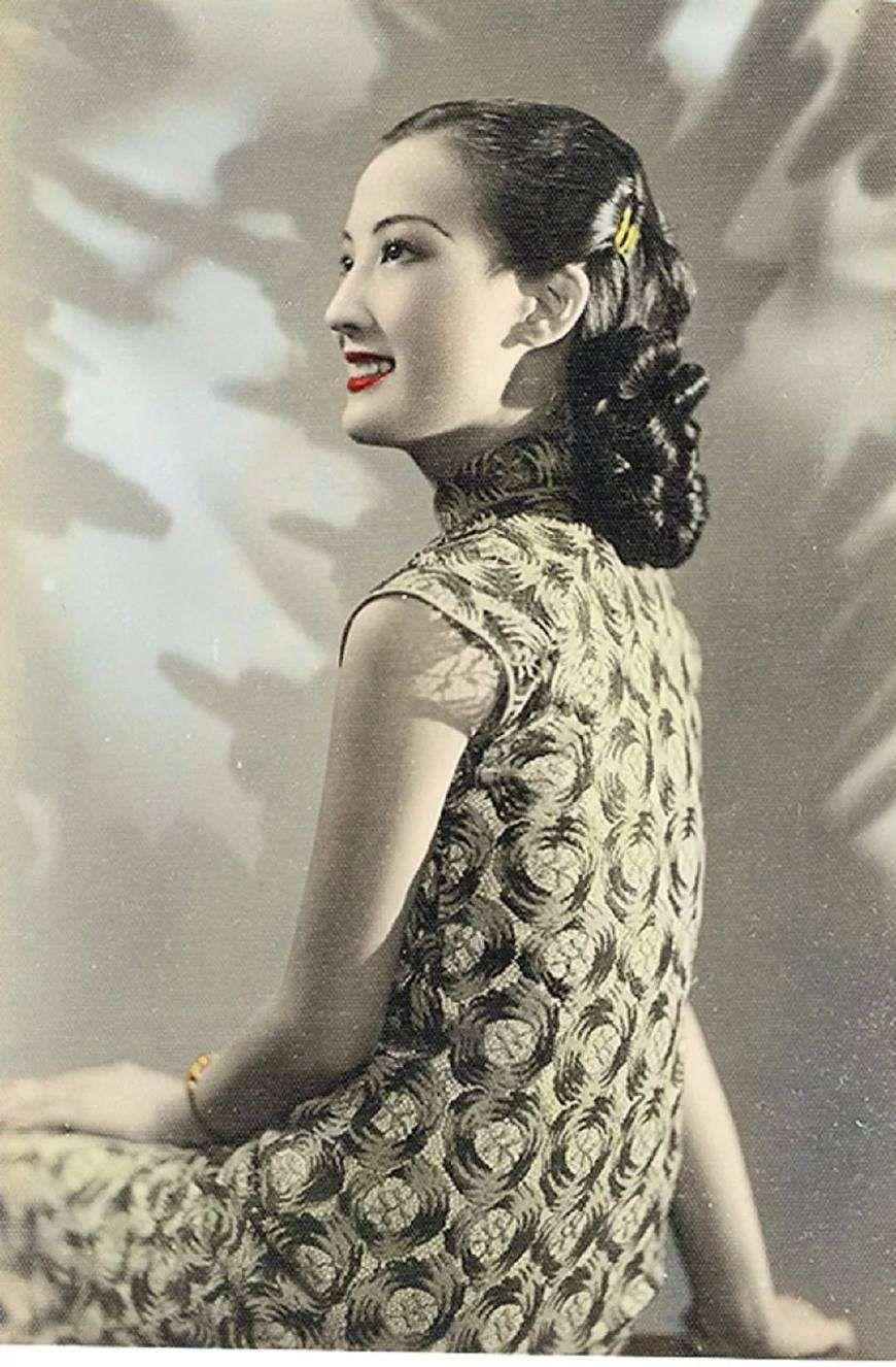 1940s 50s WW2 Vintage Mid Century Size XS S Womens Clothing Dress Japanese Chinese Qipao Traditional Mandarin Shanghai Lily Cheongsam Frock