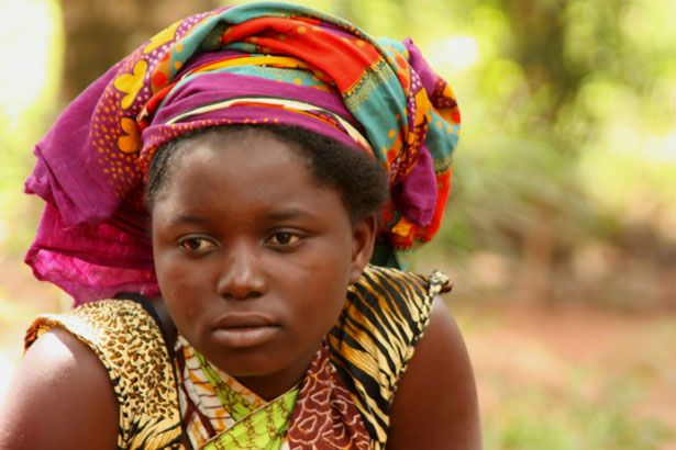 keresés african woman táblázat