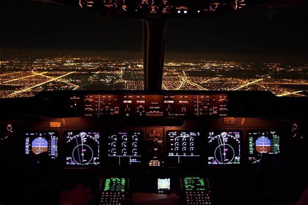 Night Approach Chicago O'Hare MD11 (by Wilco 737) | Jetliner / Cargo