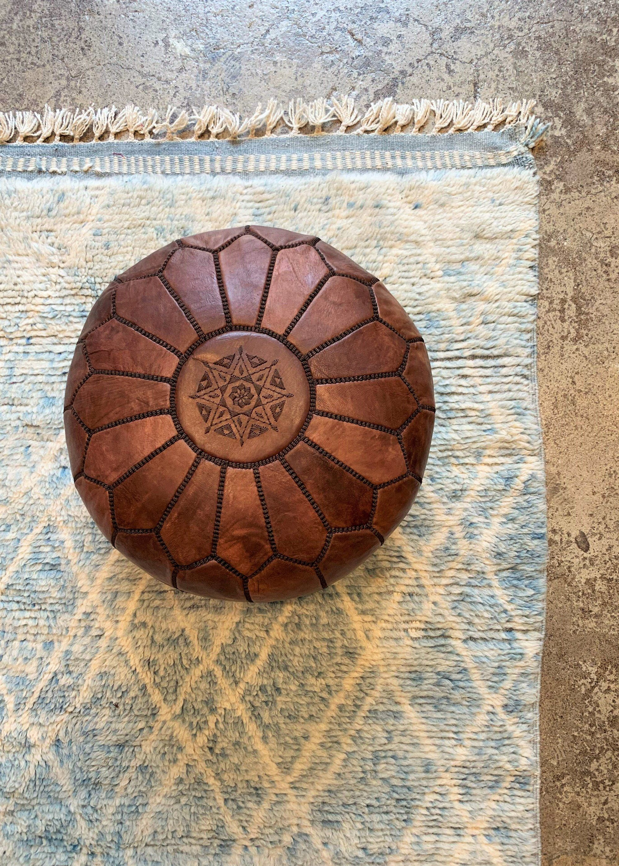 Moroccan Leather Pouf Dark Brown In 2020 Leather Pouf Leather Ottoman Round Leather Ottoman