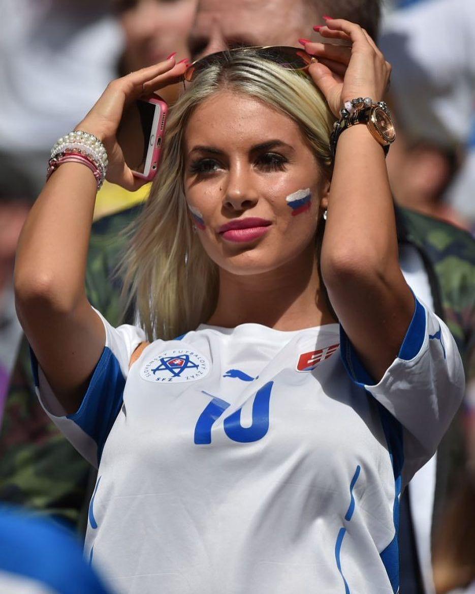 a1f1e5cb15c Wags Soccer, Soccer Fans, Football Fans, Football Girls, Soccer Girls, World