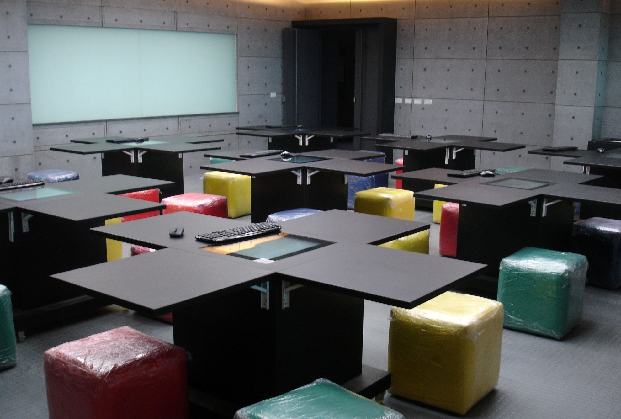 Classroom Design Of The Future : Zytronic touch sensors specified in multi user