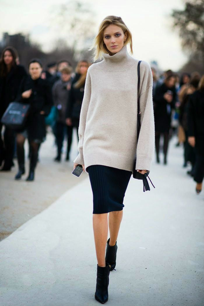 , Gorgeous gray loose long sweater with navyu blue awesome skirt and black leather hand bag and black long boots the best street style fashion…, Anja Rubik Blog, Anja Rubik Blog