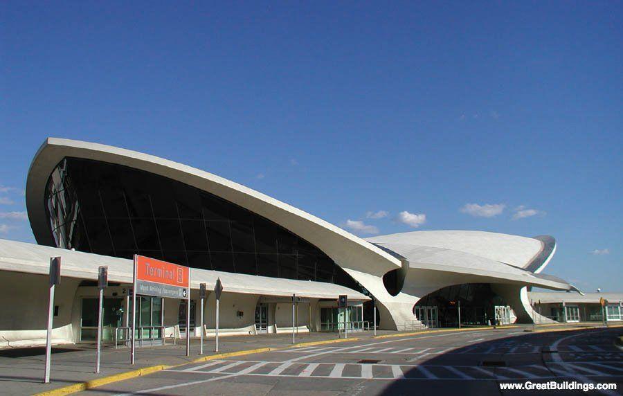 Eero saarinen 39 s abandoned twa terminal jfk airport new for Hotel at jfk airport terminal