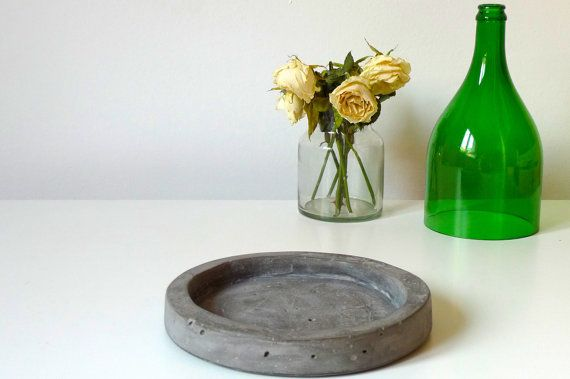 Concrete vanity tray / wallet jewellery stationery by TrendBolt