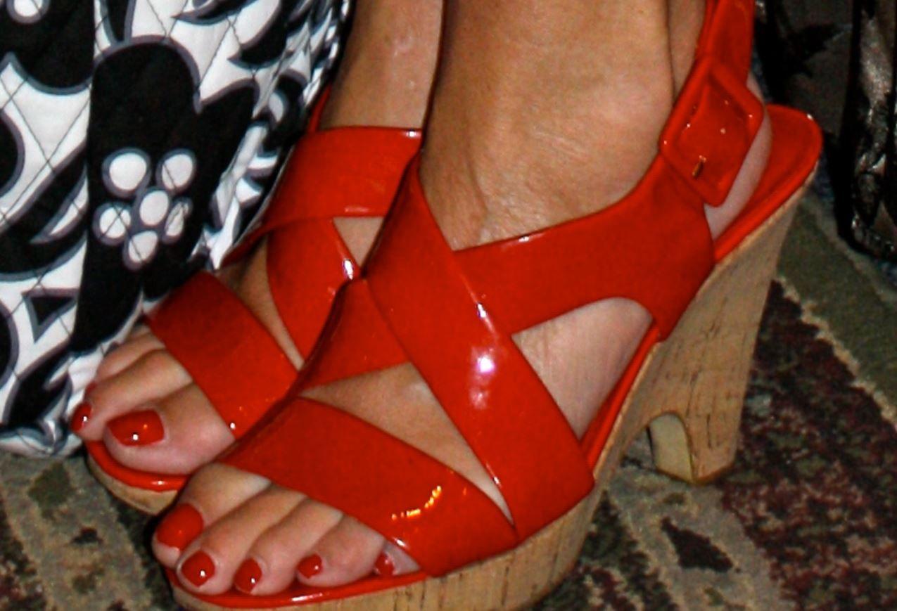 beautiful victoria beckham #feet #bunions! | sarah palin shoes