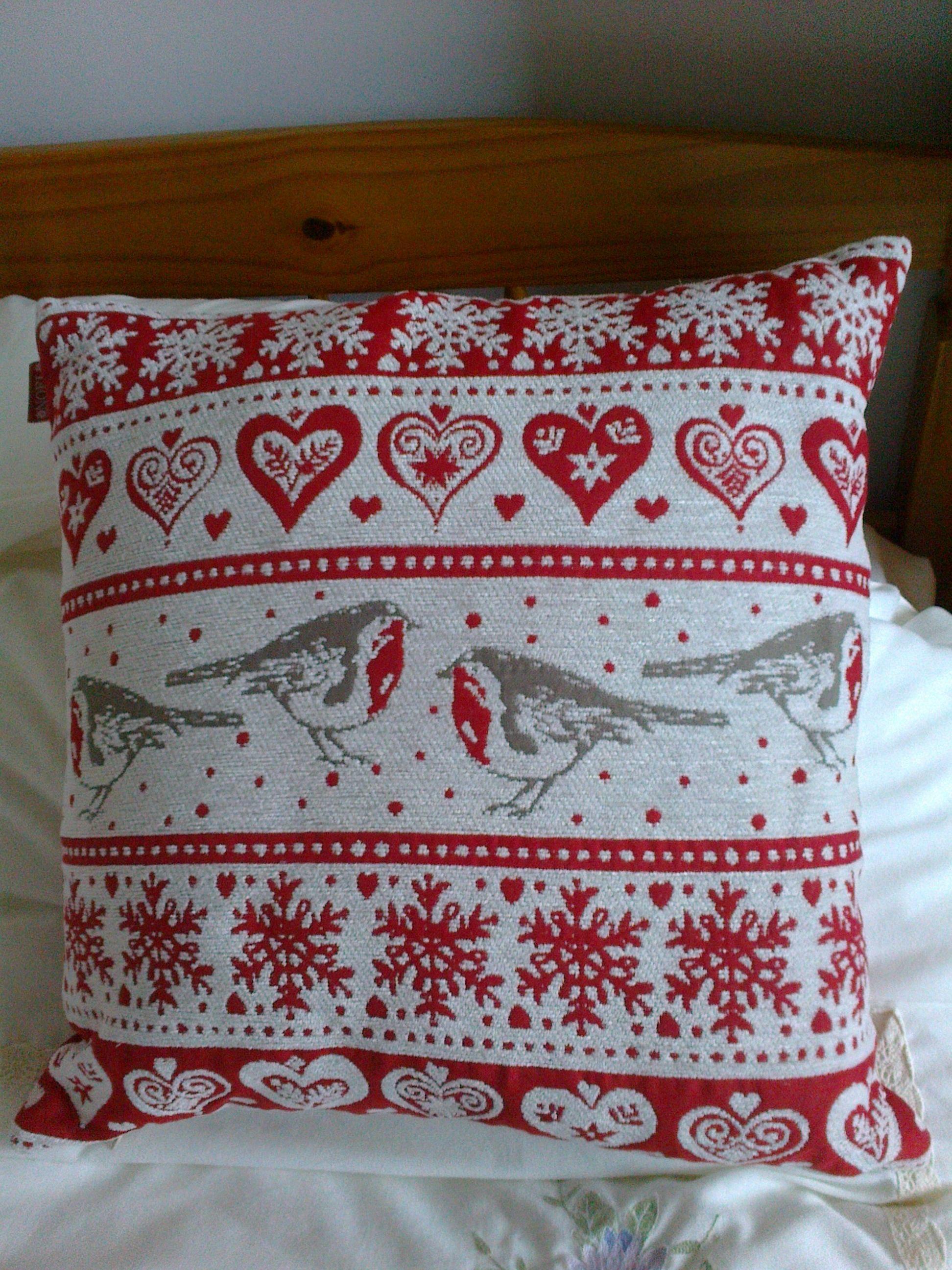 Marks And Spencer Christmas Cushion Christmas Cushions Xmas Decorations Diy Christmas Home