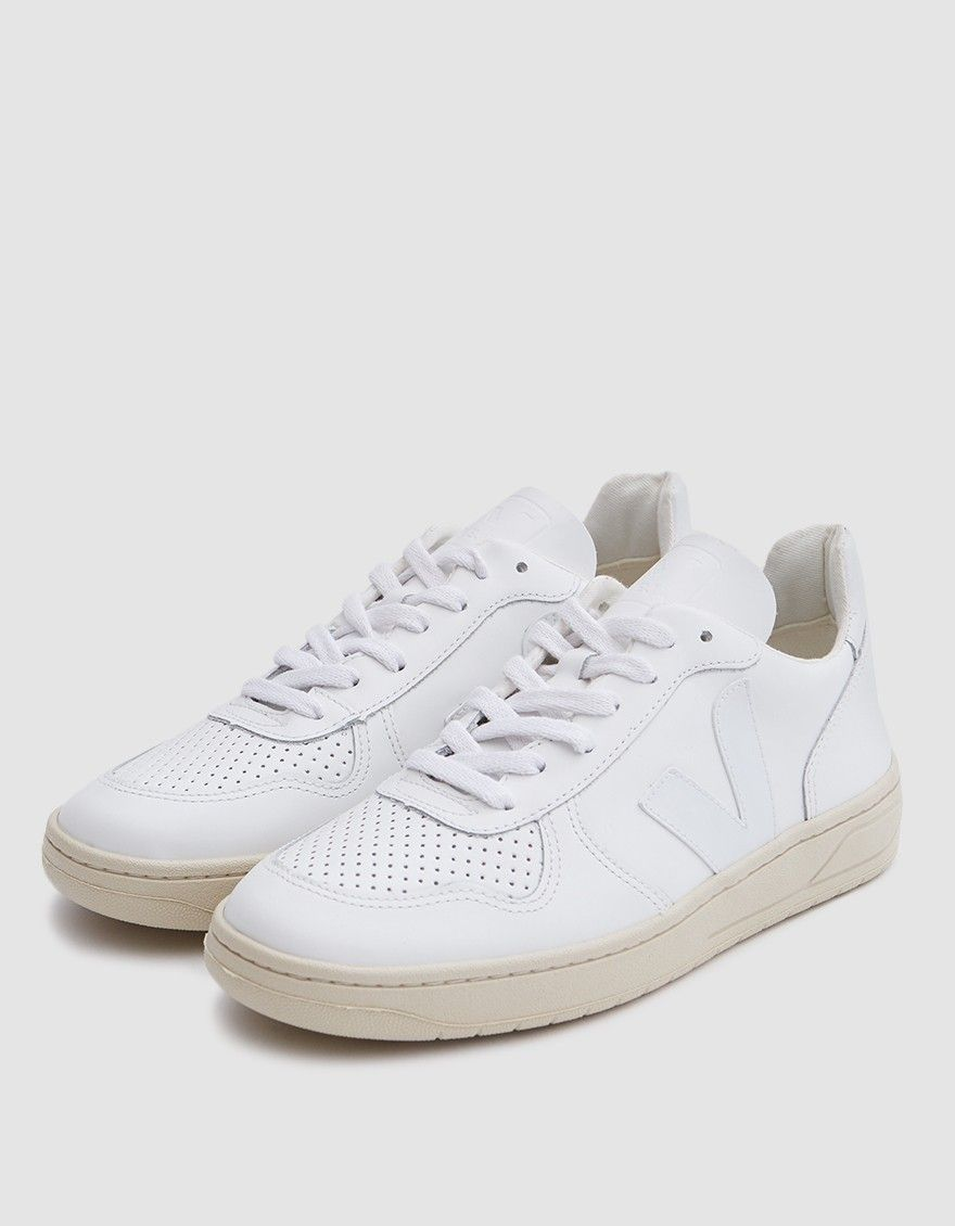Veja V-10 Sneaker In Extra White in