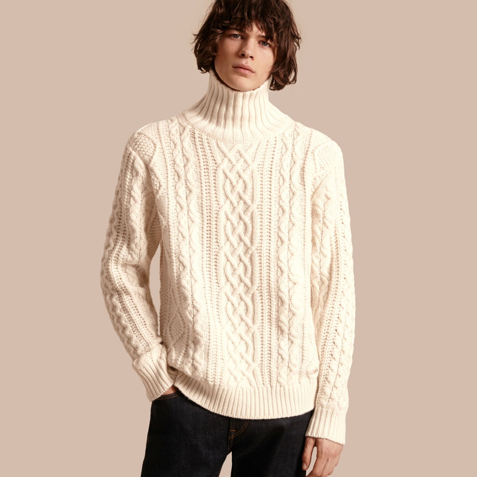 Men's Knitted Sweaters & Cardigans | Cable knitting and Slim chinos