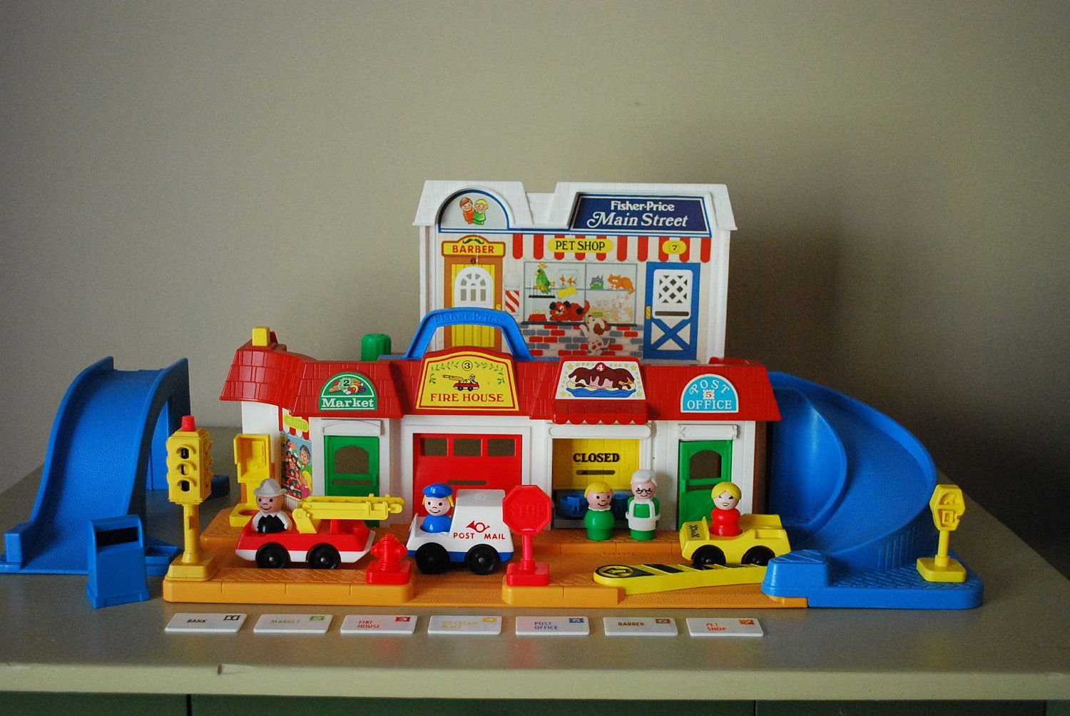 vintage fisher price little people mainstreet playset 100 percent complete reserved for sarah. Black Bedroom Furniture Sets. Home Design Ideas