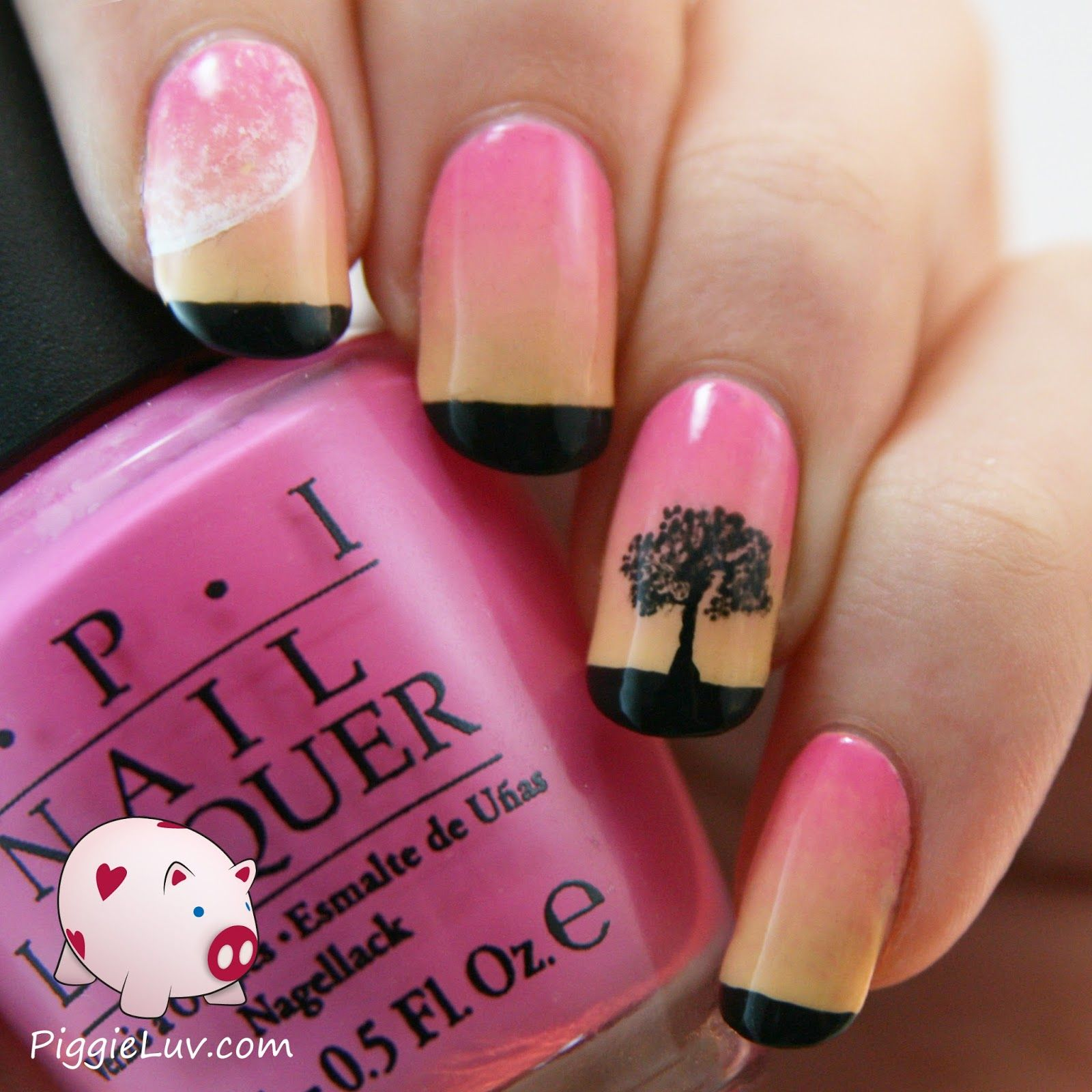 I made this soft sunset nail art using OPI Sparrow Me The Drama and Only You Banana Split. I also used black and white acrylic paint and my new brushes from ProNails Breda! I kind of have a thing for sunset manis with black silhouettes, I really enjoy doing them :D