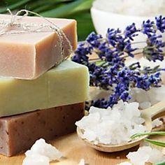 Come fare il sapone fatto in casa (senza la soda caustica)