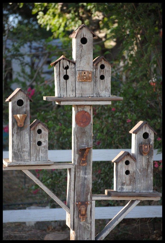 Cool birdhouse 22 gorgeous and unique birdhouse designs for Creative birdhouses