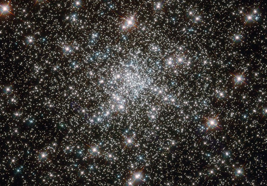 At the Core of NGC 6752 - an amazing star field