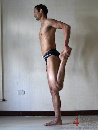 quadriceps stretching  yoga for flexibility basic yoga