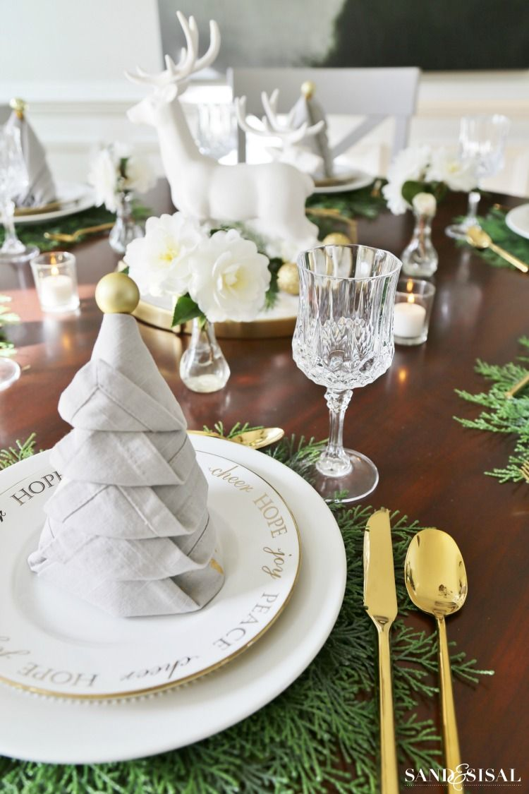 Christmas Tree Napkin Fold Tutorial | table decorating by Kristin ...