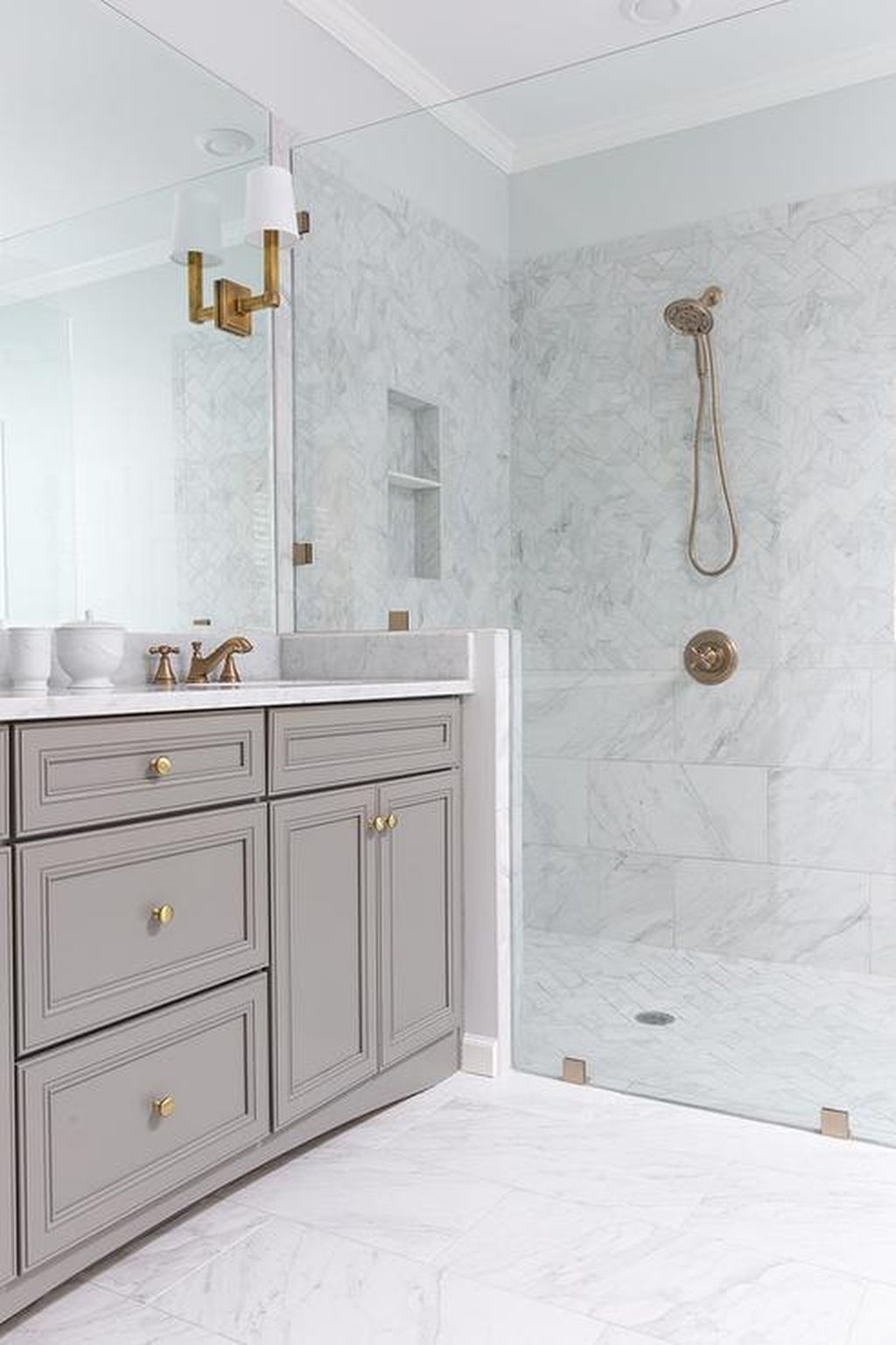 nice 67 Fantastic Minimalist White Bathroom Remodel Ideas https ...