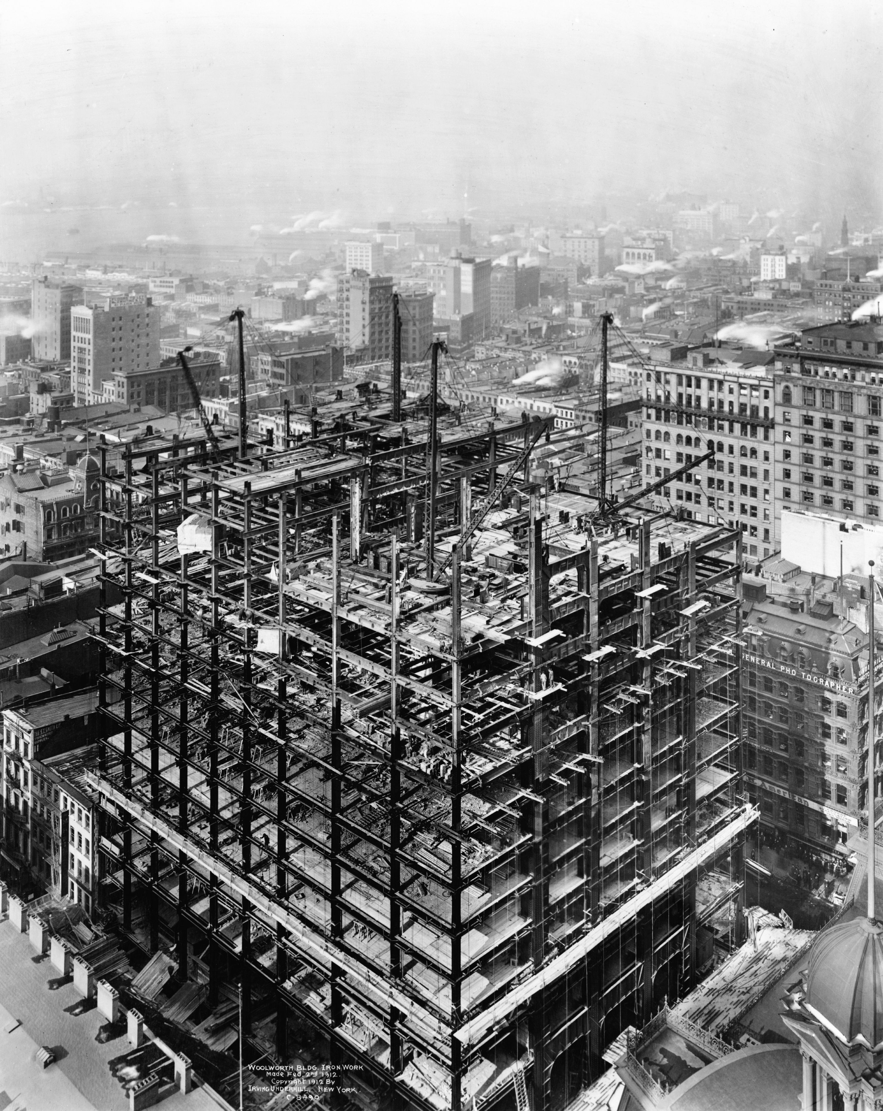SKYSCRAPER Woolworth Building construction, 2 February