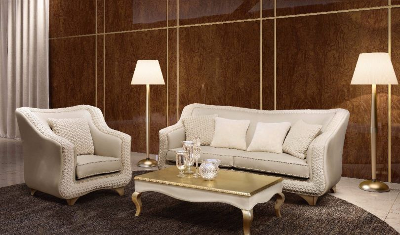 Bm Style The New Classical Style Leather Sofa Luxury Furniture Eurooo Bmstyle Bmstylefurniture Bmstylesofa Italianneoclassicalfurniture Hi Arredamento