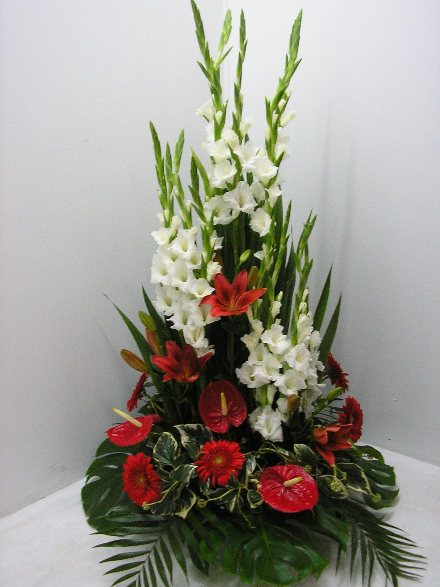 Planter use white gladiolas and or calla lilies add in - Arreglos de flores artificiales ...