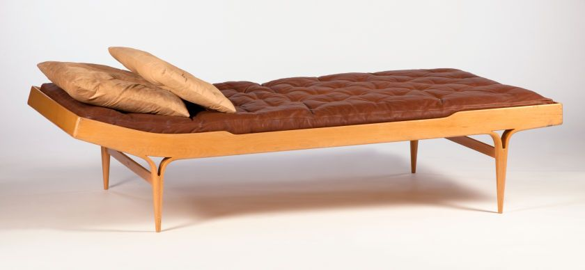 BRUNO MATHESON FOR KARL MATHESON. A Hide Upholstered Beechwood Daybed,  Circa 1960.