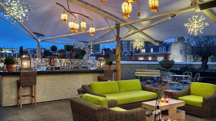 Swan On A Hot Gin Roof Sipsmith Pop Up Bar Opens In Soho Ham Yard Hotel Ham Yard Hotel London London Bars