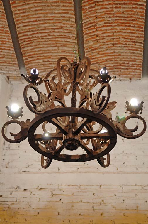 Chandelier Wood And Iron With Images Iron Chandeliers