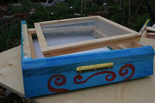 Screened Bottom Board Plans - Multiply your garden crop many times by keeping a hive of bees