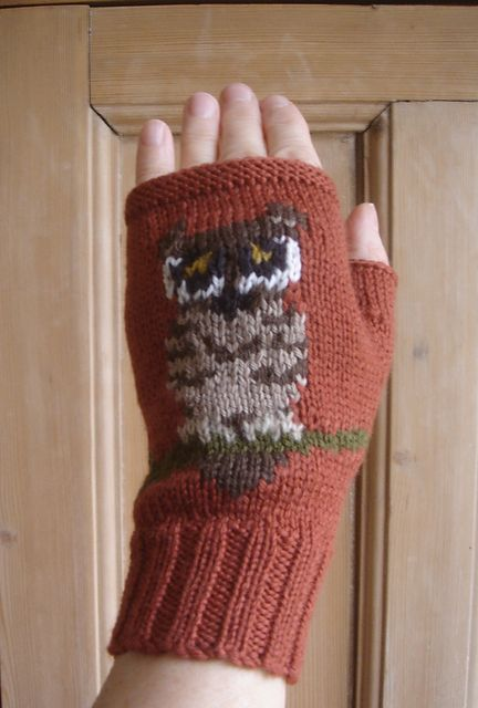 Tiny Owl fingerless gloves/mitts pattern by Twisted Classics ...
