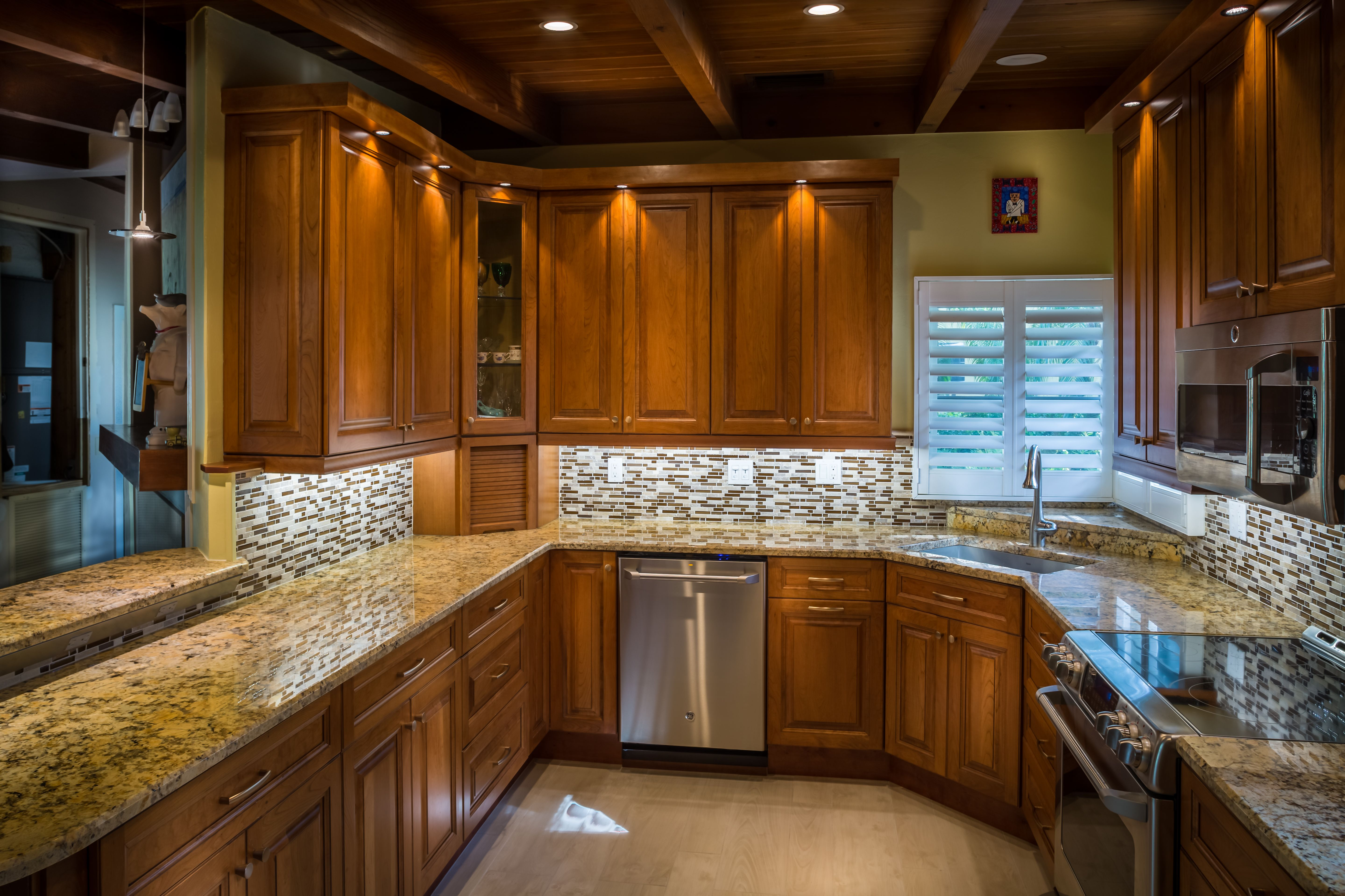 Traditional kitchen in Naples, FL by Da Vinci Cabinetry ...