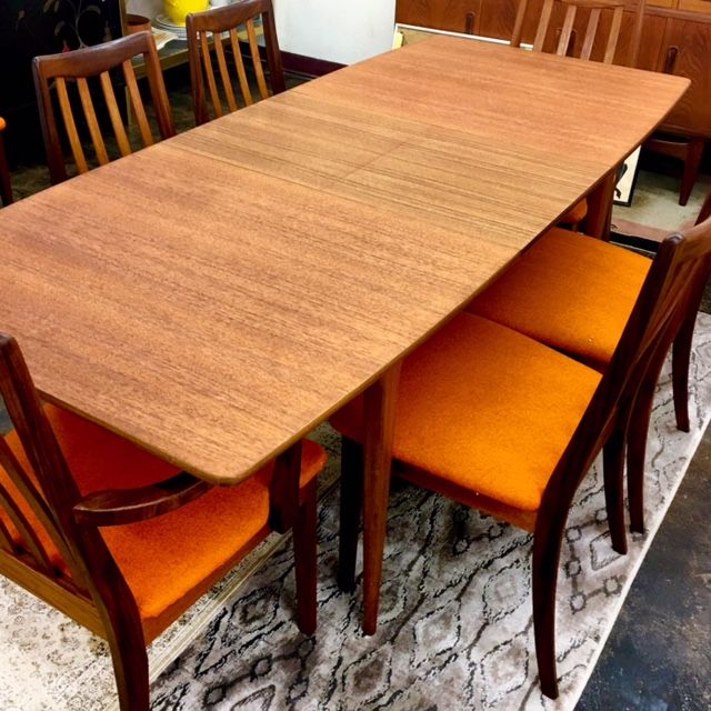 Mcm Teak Surfboard Shape Dining Table With Butterfly Leaf Just Refinished Shown With Set Of Six 1960 S G Plan Dinin Dining Table Dining Chairs Kitchen Table