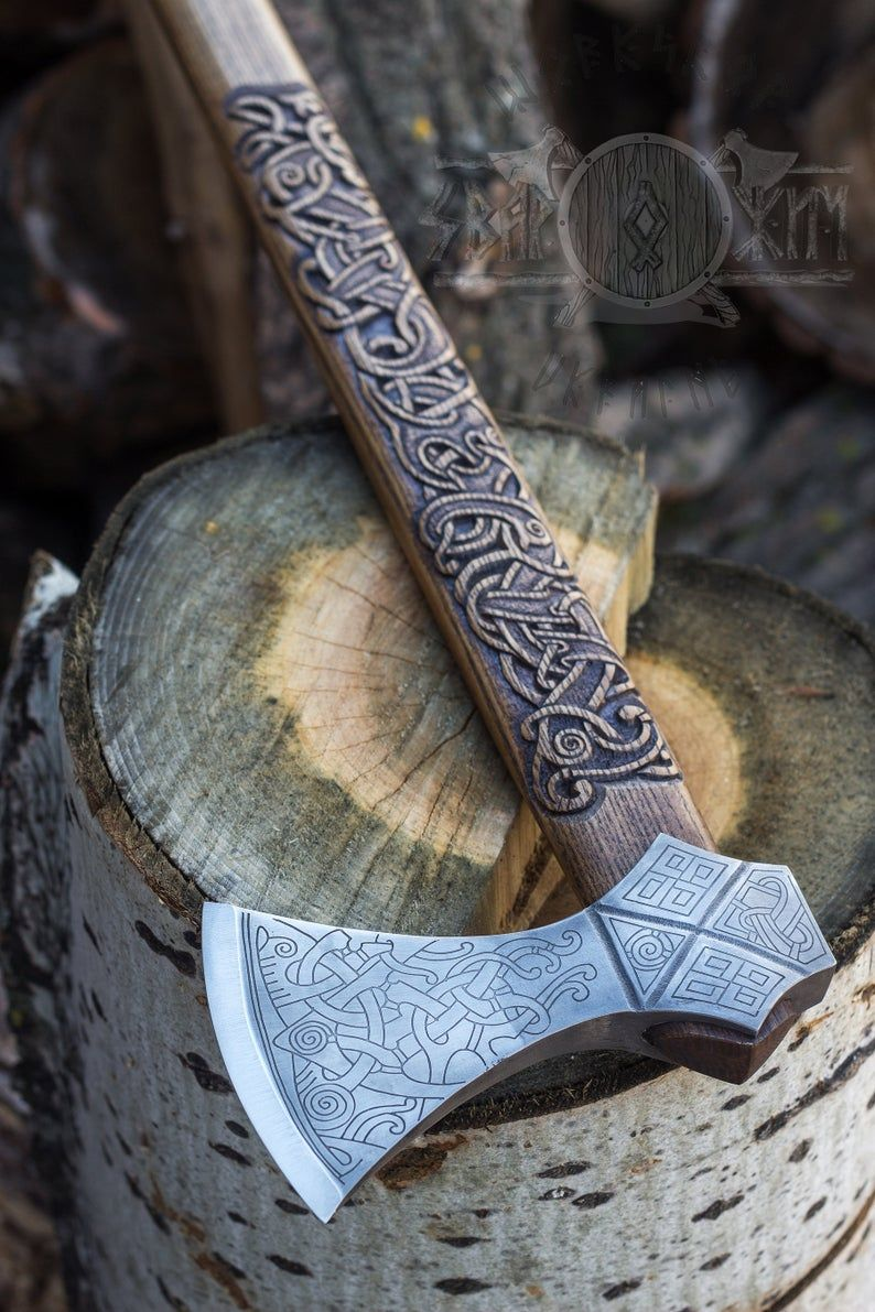 Hand twohanded axe based on axe from the grave at