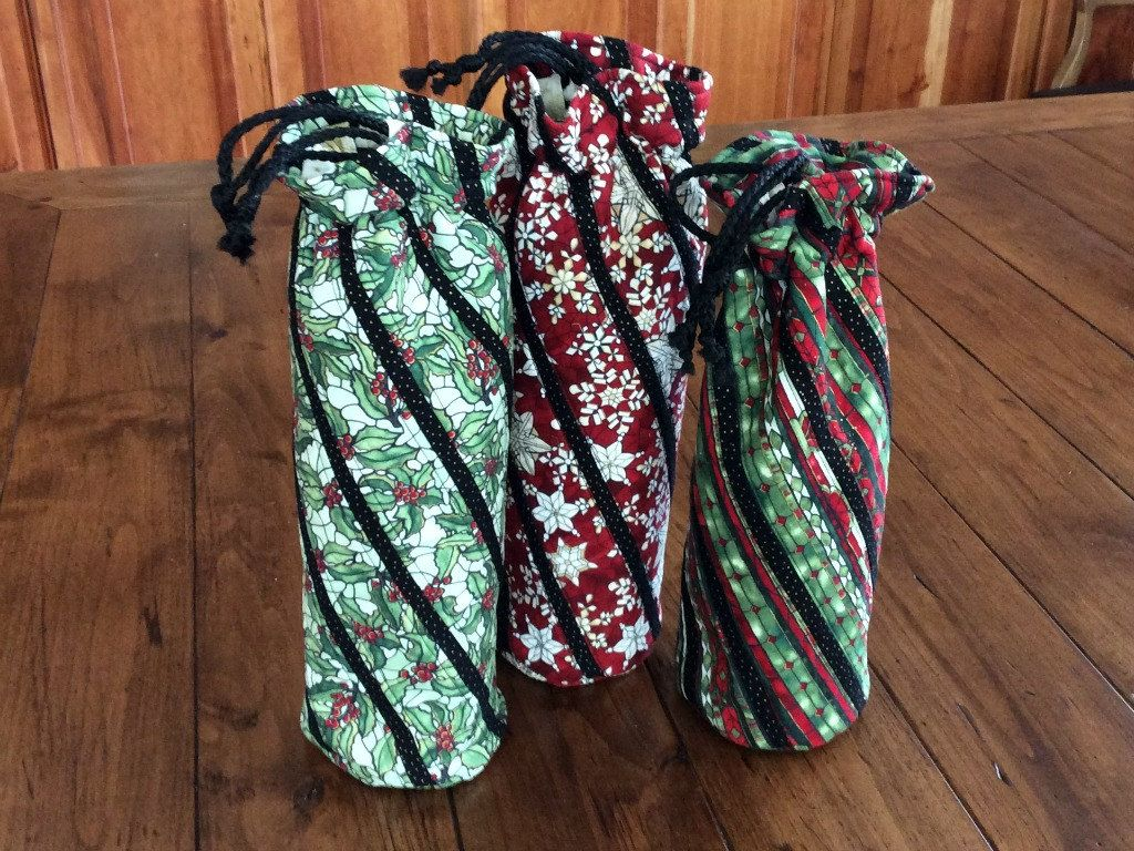 Christmas Quilted Wine Bags, Wine Totes with Stained Glass Motif ... : quilted insulated fabric - Adamdwight.com