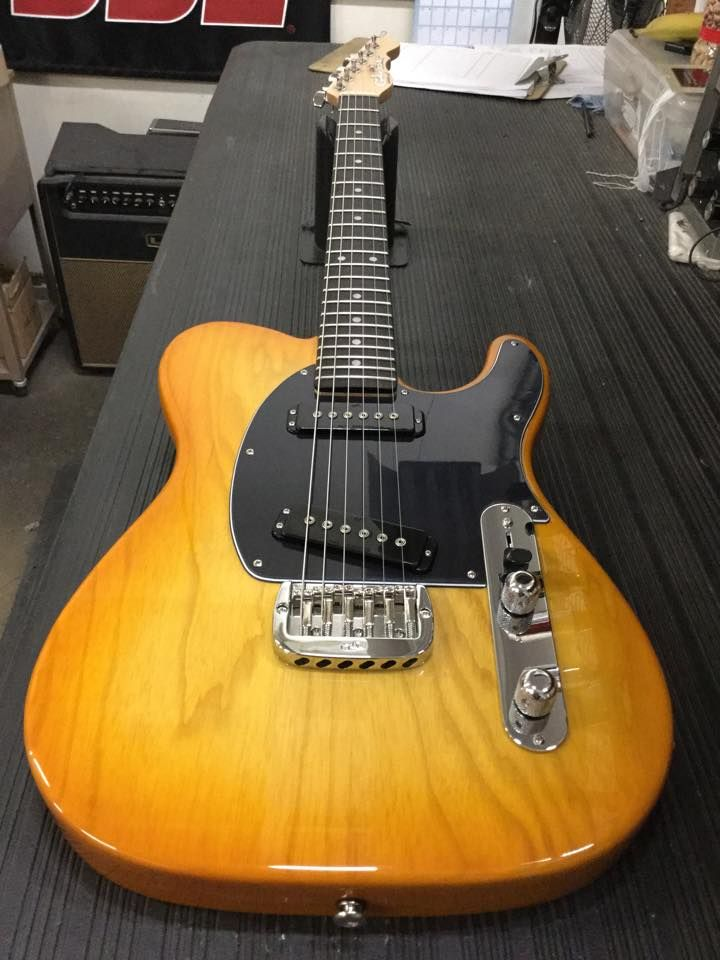 G&L Musical Instruments ASAT Special in Honeyburst over ... on