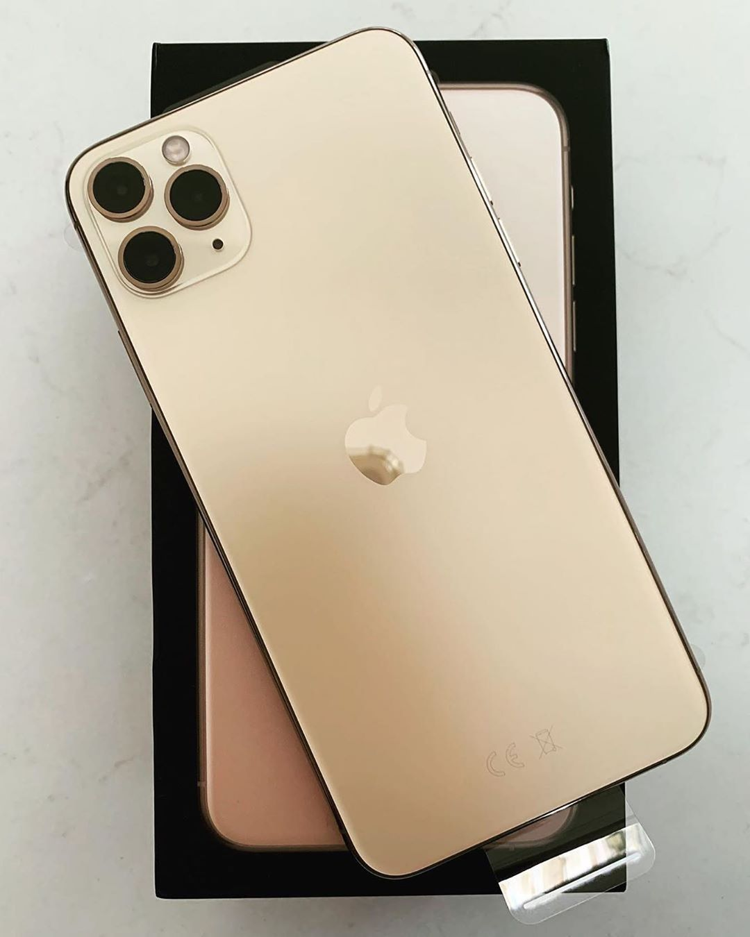 Apple Design Hub On Instagram Iphone 11 Pro Max Gold From