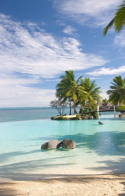 Infinity pool and ocean, French Polynesia