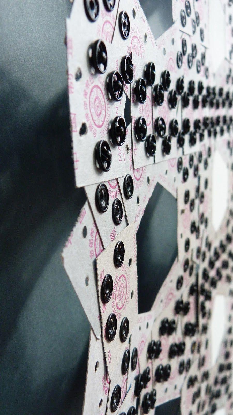 Reconstrucción Made in Chile / Papel y Broches / Paper and Snap Buttons  Josefa Espinosa  2012