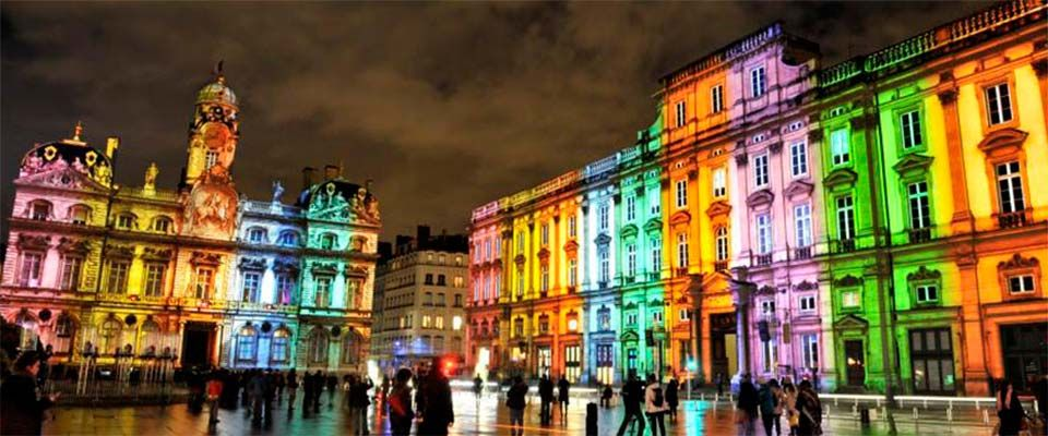 Madrileños por el Mundo Lyon:   http://www.telemadrid.es/mxm/lyon-la-magia-de-la-fiesta-de-las-luces