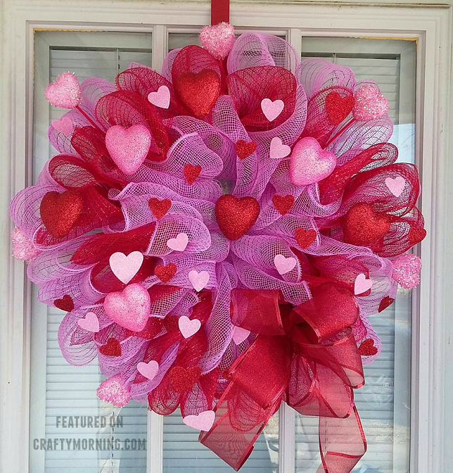 Photo of How to Make a Deco Mesh Valentine Wreath – Crafty Morning