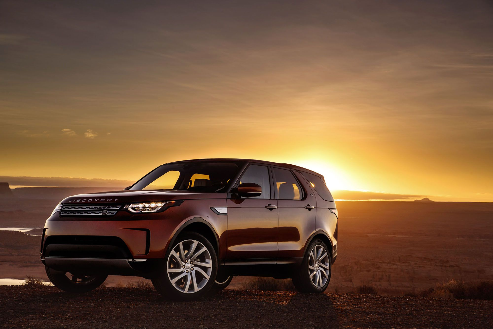 LAND ROVER DISCOVERY PRODUCTION MOVING! Production of the