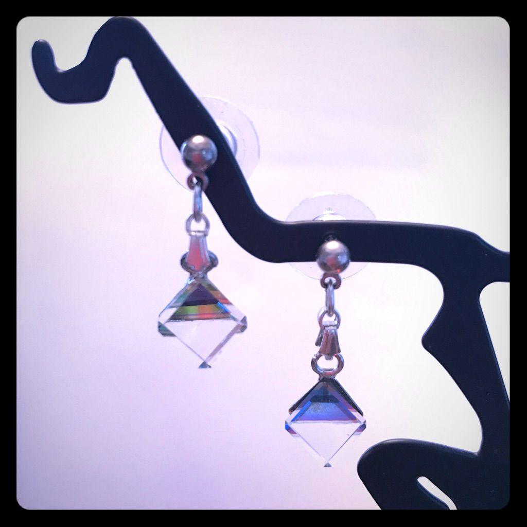 New Hypoallergenic Austrian Crystal Cubed Earrings