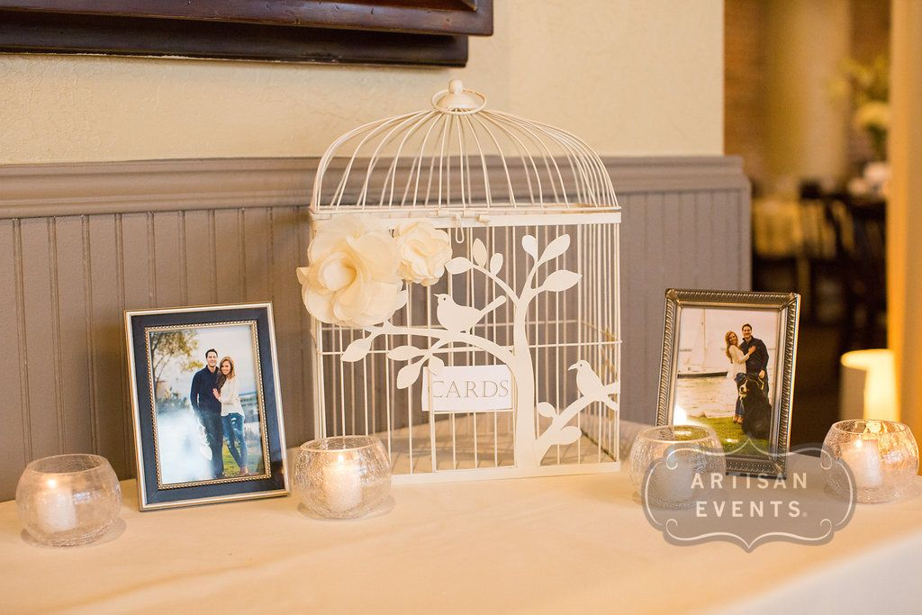 Added details to make this card box extra special! Photograph by Artisan Events