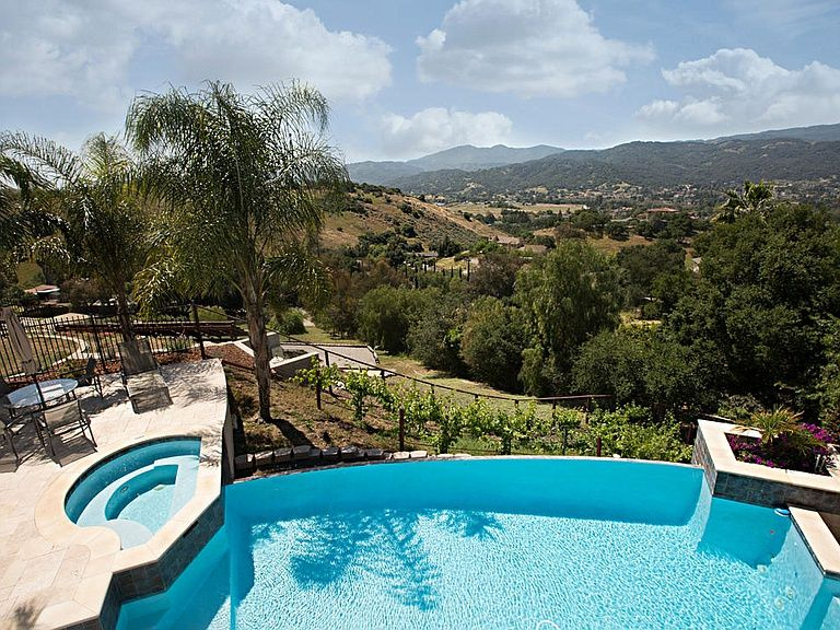 20750 Lost Ranch Rd San Jose Ca 95120 Zillow Spa Pool Zillow Jose