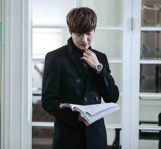 awesome LeeMinHo so focus in his script