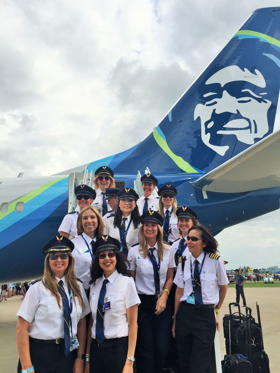 Oshkosh airshow: Women take center stage at 'fly-in'   AVIATION