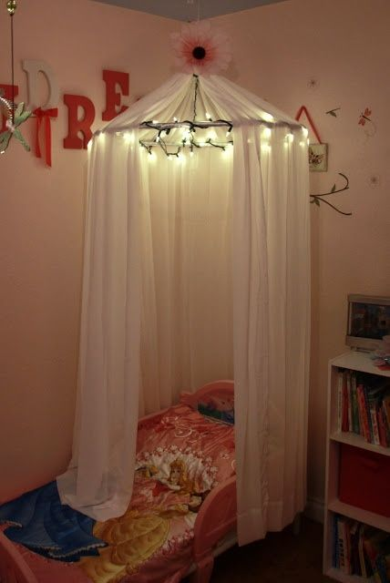 No sew diy little girls bed canopy with lights i know a for Diy crib canopy