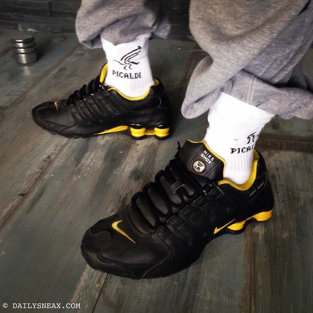 da86df0d048 Having a great Sunday in my Nike Shox NZ ID black yellow  shox  shoxnz   nikeshox  nikeshoxnz  nikeid