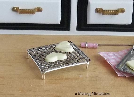 Cookie Cooling Rack in 1:12 Scale for Dollhouse Miniature Kitchen or Bakery #miniaturekitchen