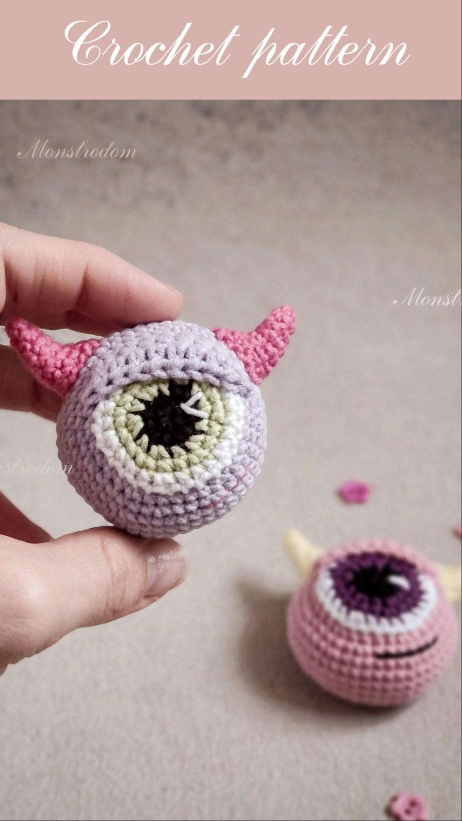 Crochet pattern Monster / Crochet pattern brooch /