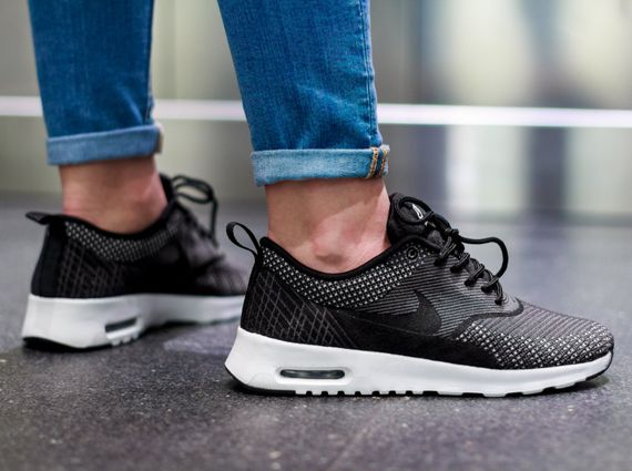 air max thea black womens